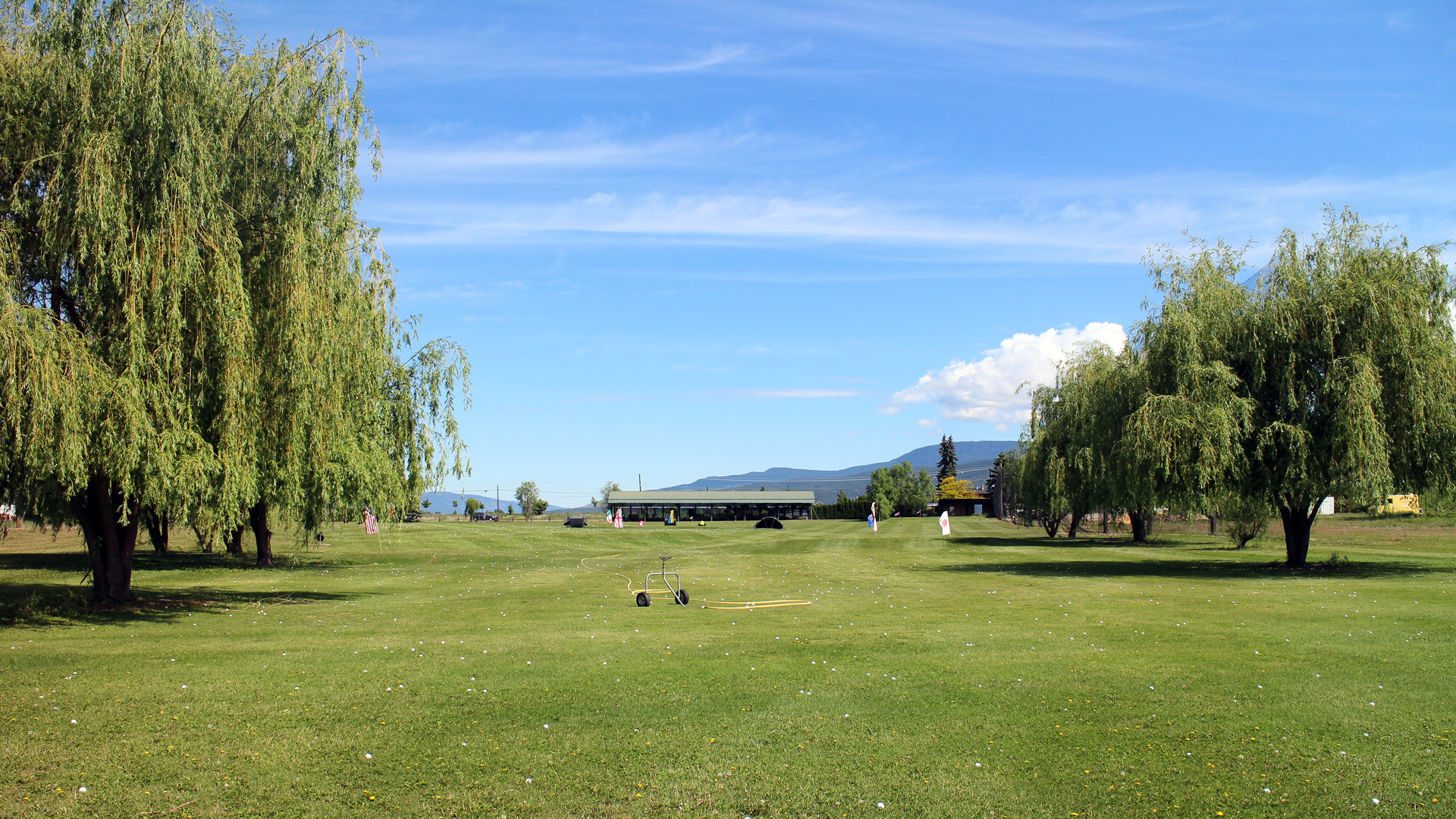 Plenty of space to practise driving range kelowna